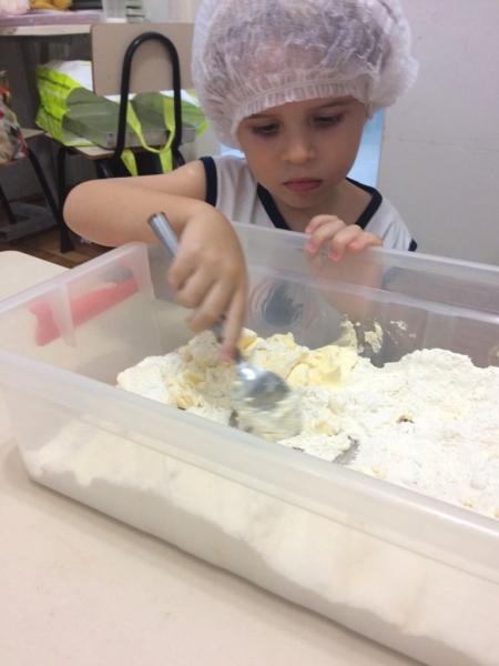 Preparando os biscoitos